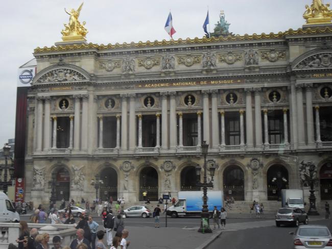 тетр Парижа