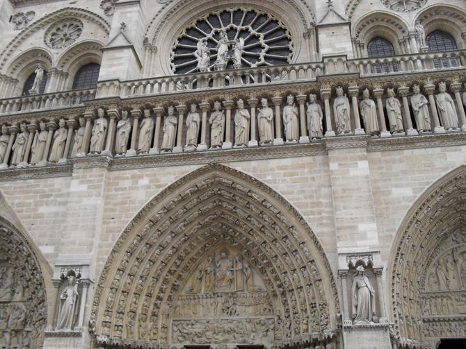 фасад собора Нотр-Дам