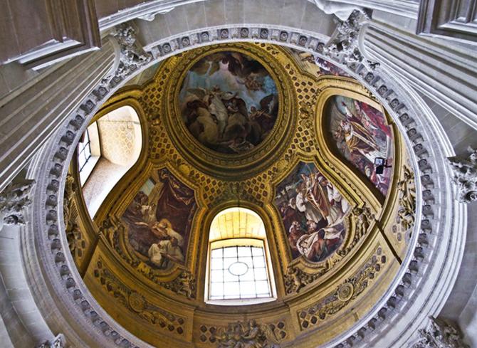 купол в интерьере Собора Дома инвалидов