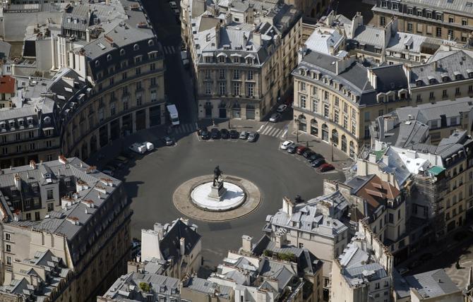 Площадь Побед Париж