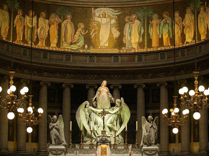 Интерьер церкви Святой Магдалины (Мадлен)