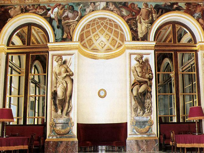 Интерьер Бурбонского дворца