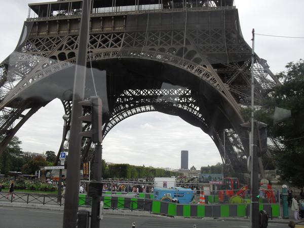 Ейфелева башня фото
