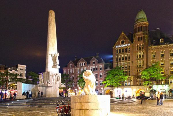 национальный мемориал площадь Дам