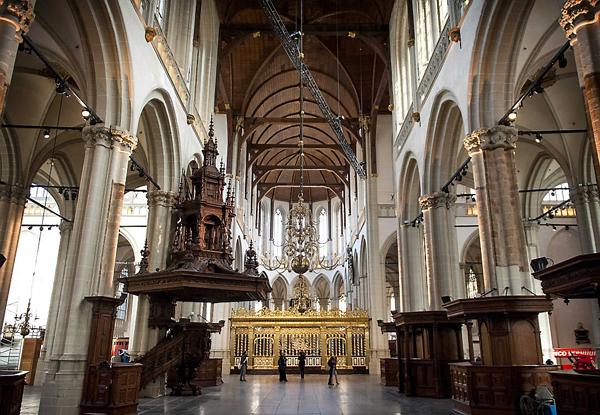 церковь Nieuwe Kerk интерьер