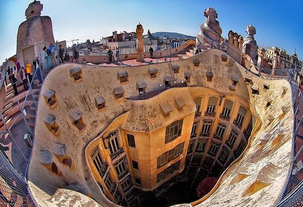 Дом Мила Барселоне, творение Гауди